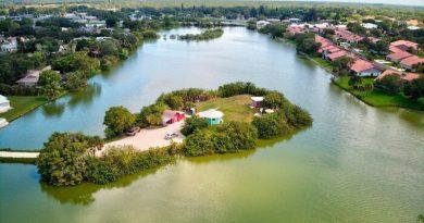 Mężczyzna mieszka na swojej prywatnej wysepce na Florydzie, oto jak wygląda jego życie