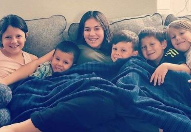 Para adoptowała siedmioro rodzeństwa, po tym, jak ich rodzice zginęli w wypadku