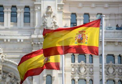 Mandaty podczas lockdownu nielegalne. Rząd Hiszpanii odda pieniądze obywatelom